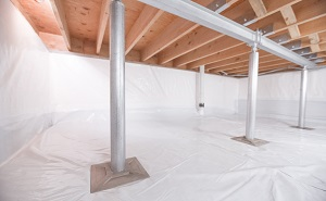 Crawl space structural support jacks installed in Crystal City